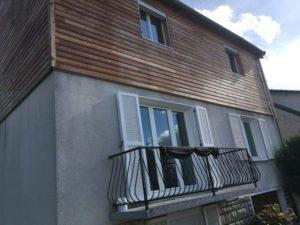 Peinture décorative et lasure pour l'entretien du bois sur une maison située à Conflans Ste Honorine (78) avant